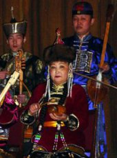 National artist of Russia and Tuva, Nadezhda Kuular will hold a benefit concert