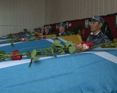 In Tuva mourning for 8 lost parachutists-paratroopers