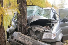 In Tuva UAZ Patriot hit a tree: 4 people died, 9 injured