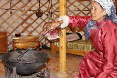 Olcha Dongak - the keeper of Kyzyl yurt-museum: Our ancestors lived to the age of 100 years