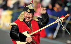 Rose Parade 2013: Tuvan throat singer can't be heard — again